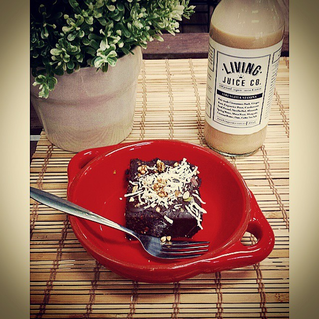 Comforting brownie and (almond) milk at raw food haven @orawgi . The #raw #vegan #glutenfree #organic food (and the service) here is fantastic. #brisbanefoodie #brisbanevegan #brisbanecafes #brisbanerestaurants #brisbanerawfood #cleanfood #glutenfreebrisbane #brisbaneeats #Woolloongabba